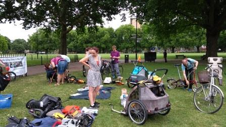 Hackney Family Cycling Library in action at London Fields