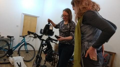A Mum learns more about front child seats for bikes