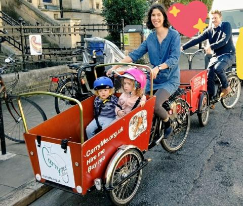 Family trying cargobikes at CarryMe
