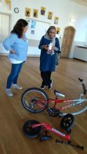 A mum learns more about trail-a-bikes and balance bikes