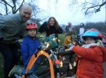 Cargobike family with Christmas lights